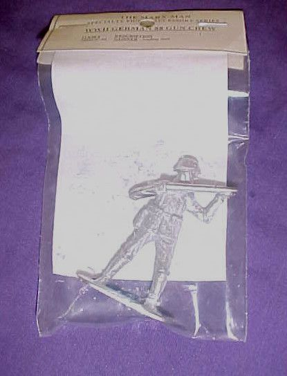 WWII German White Metal 88 Gun Crew Loader 54mm